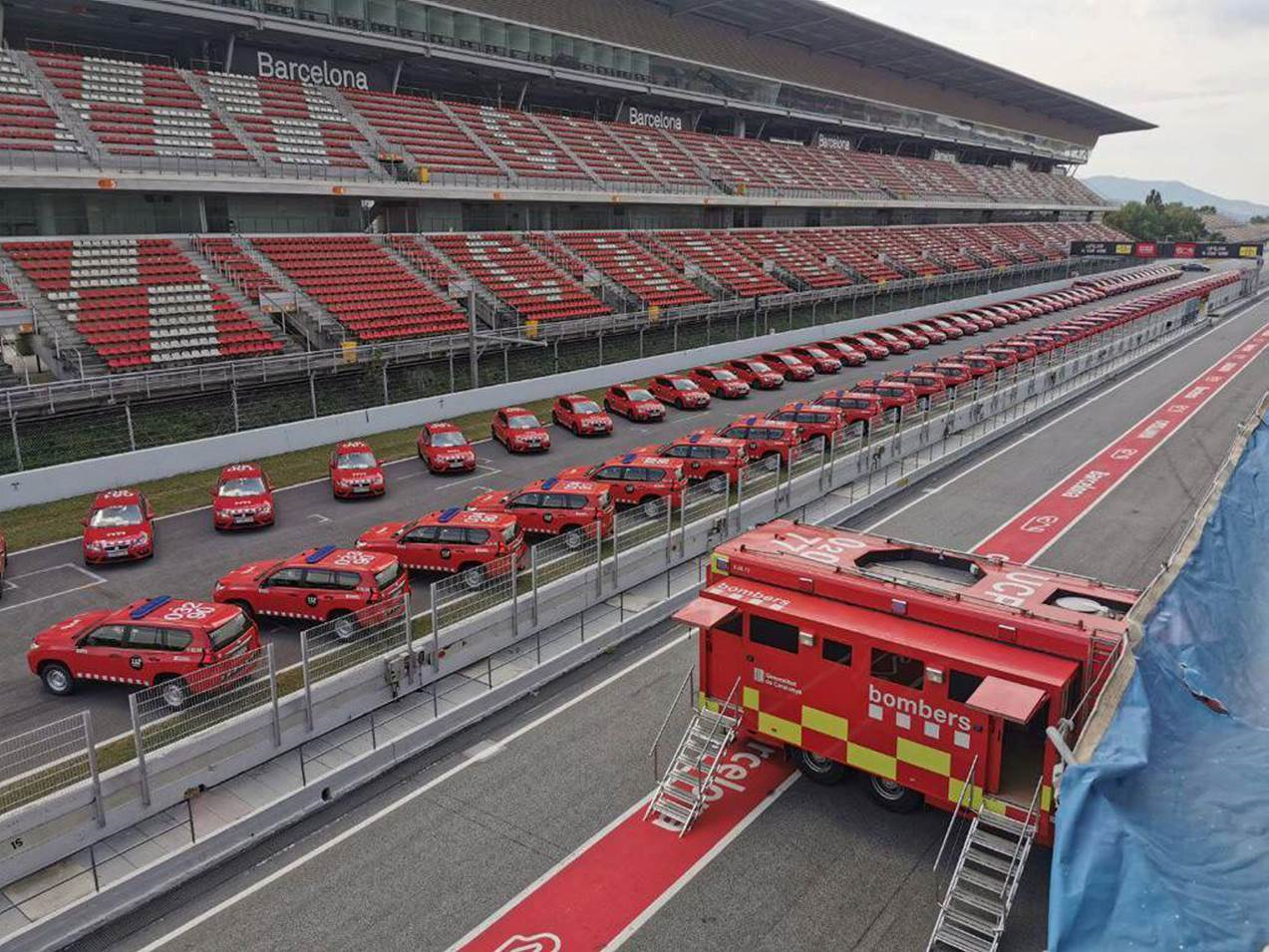 Los Bomberos de la Generalitat reciben 58 Toyota Land Cruiser GX de la mano de Vallescar Empresas y Toyota Ippon Motor Vallès.